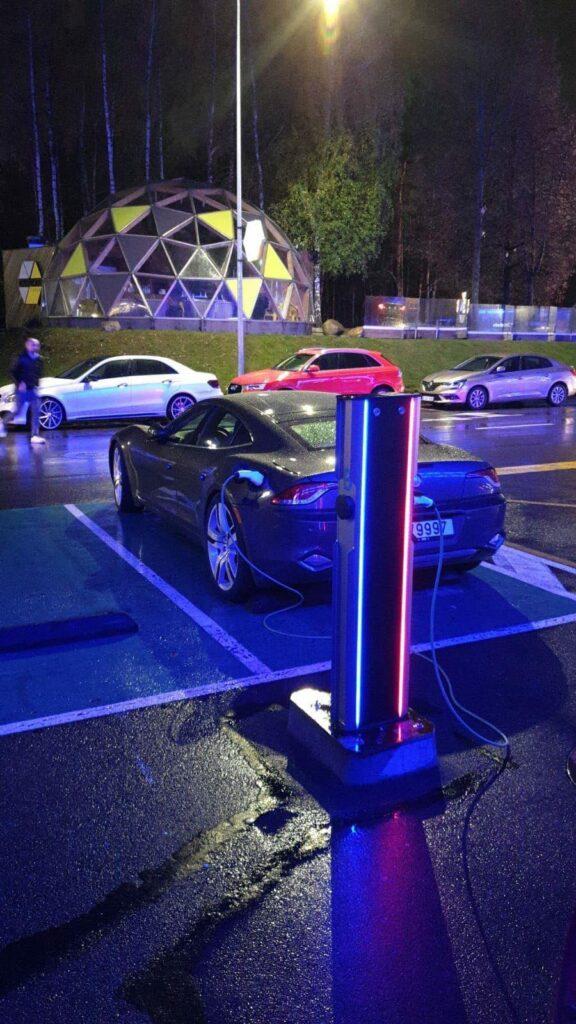 Rootsi üllatas kõrgete numbritega elektriautode registreerimisel